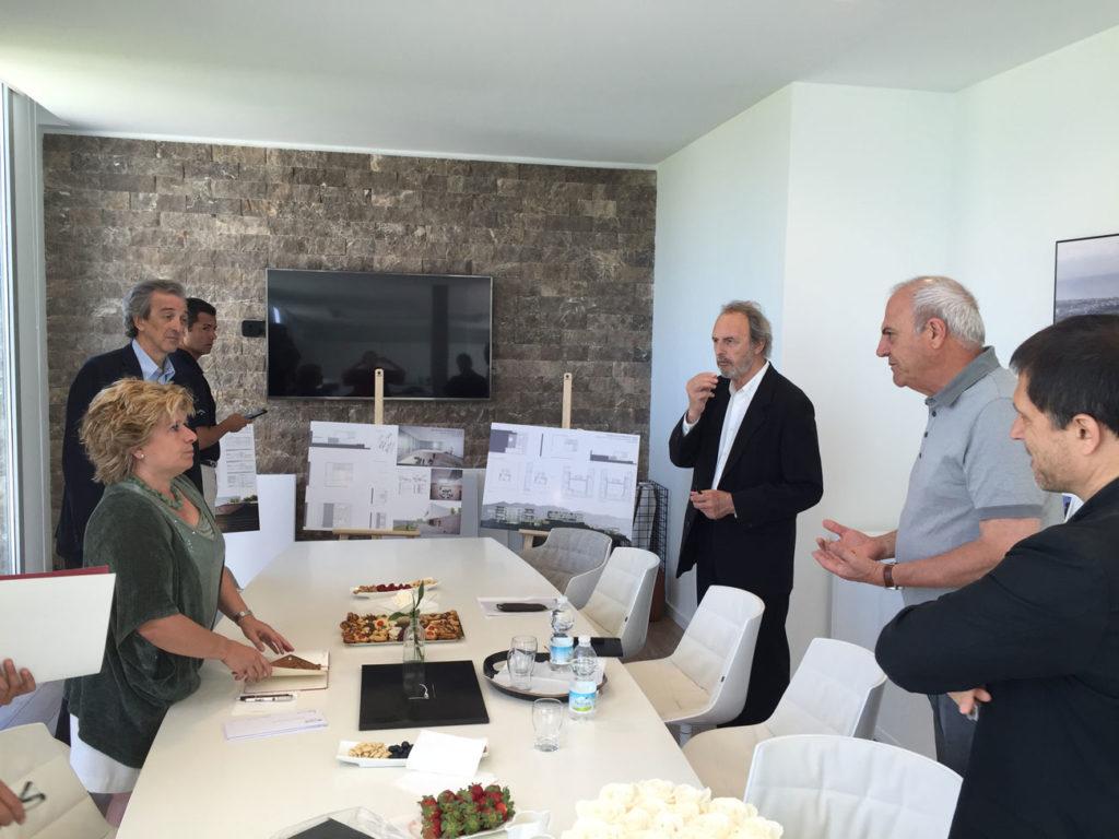 The president of DOM3, Laura Pou, together with Architects Rafael de la Hoz, Guillermo Vázquez Consuegra, Antonio Cruz and Juan de Gavilanes, members of the final Jury of the DOM3 PRIZE 2016.